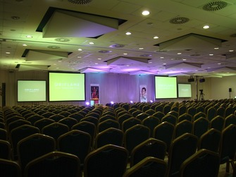 Prenájom statívové plátna,Congress Rental Slovakia uses the latest technologies from Bosch for multi-language meetings, events and conferences.